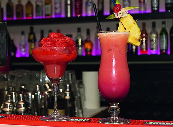Cocktails genießen in der Lime Lounge
