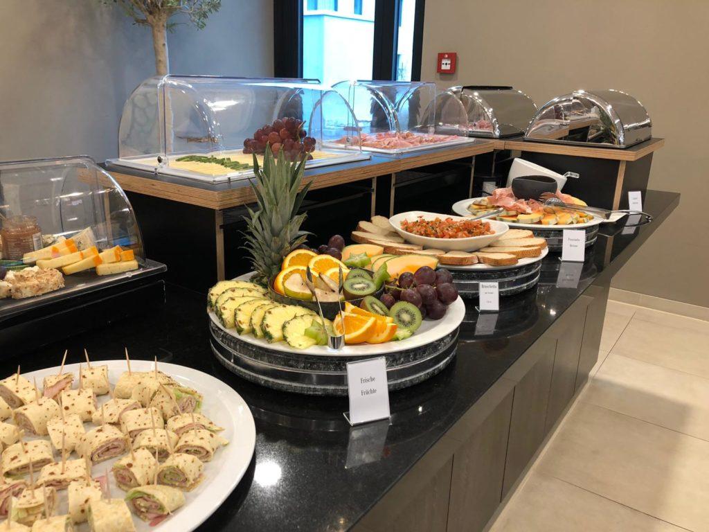 Frühstück im Diamond Hotel
