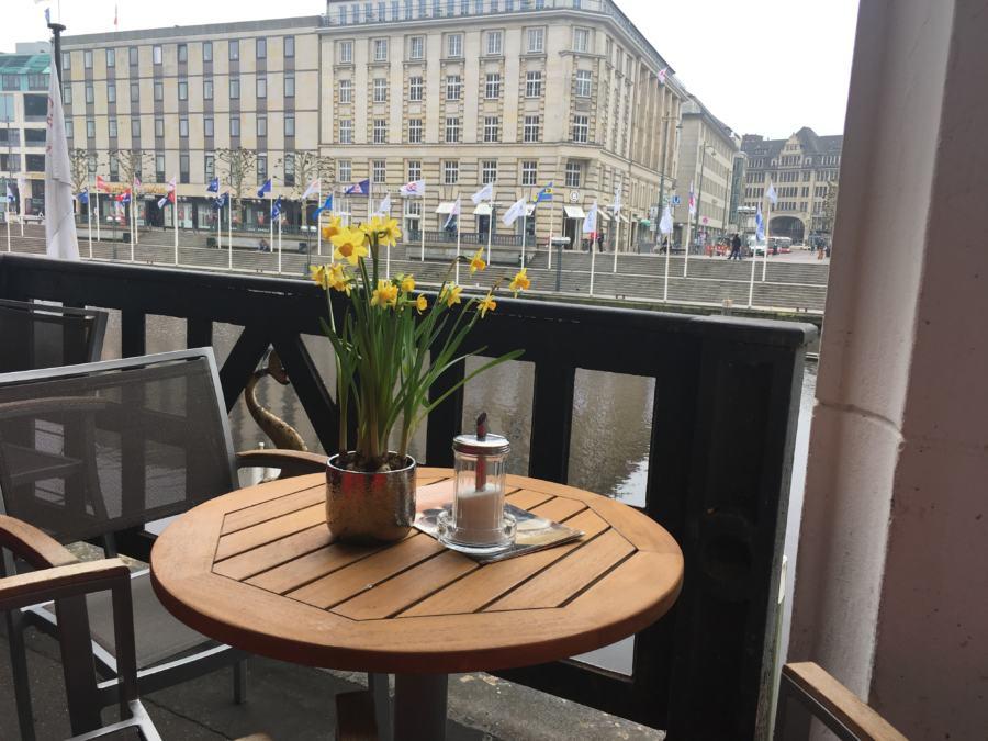 im Café Godiva