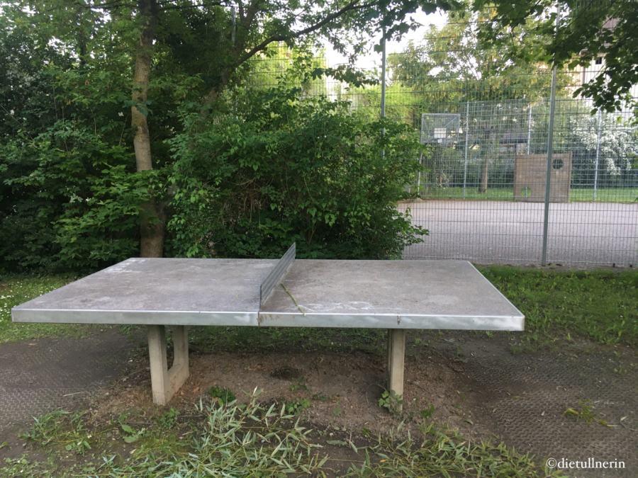 Tischtennis spielen S.Ludwig-Straße