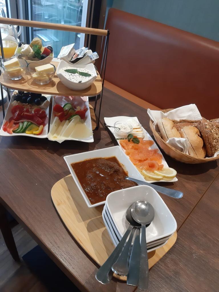 Tisch-Brunch bei Jola