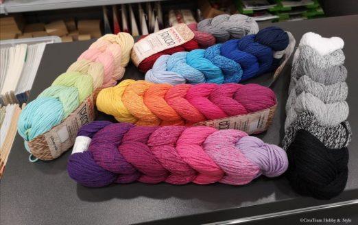 Regenbogenfarben-Wolle